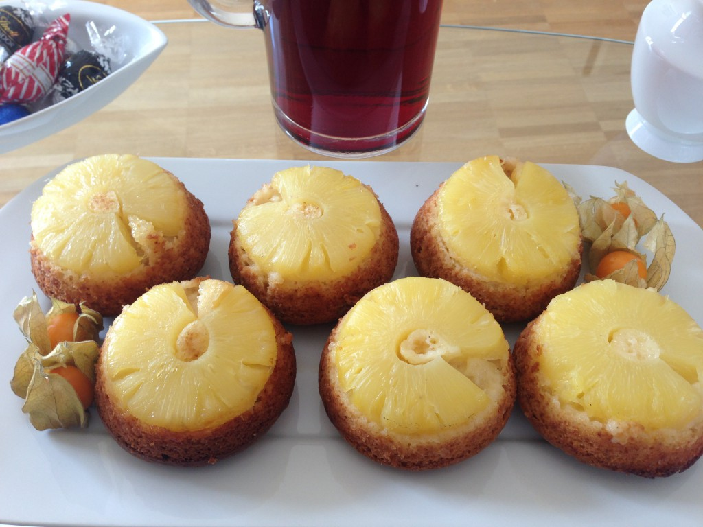 Mini pineapple upsie-down cake 2
